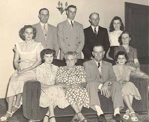 David, Robert, Arlo, Dorothy, Louise, Otha, Blanche, Mom, Pop, and Geraldine